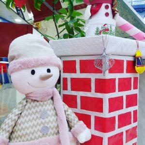decoración navideña parque navidad chimenea
